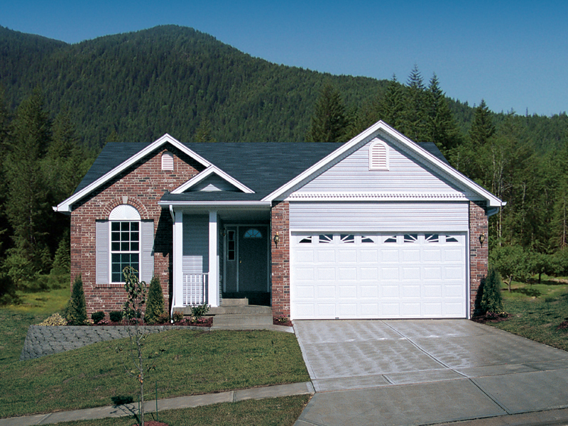 Traditional House Plan Front of Home 007D-0060