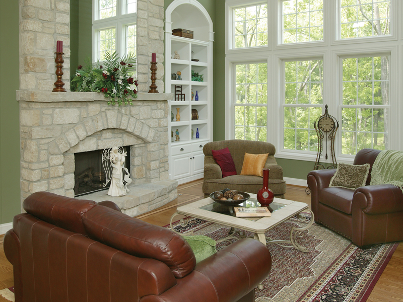 Traditional House Plan Great Room Photo 02 007D-0132