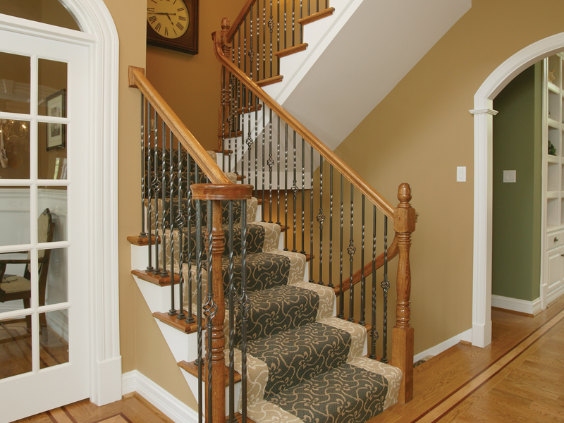 Luxury House Plan Stairs Photo 007D-0132