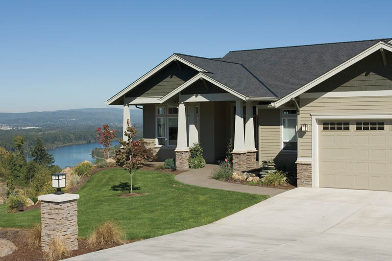 Craftsman House Plan Front Photo 03 011D-0014