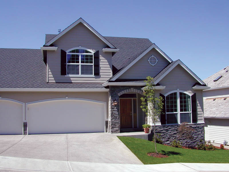 Traditional House Plan Front Photo 01 011D-0026