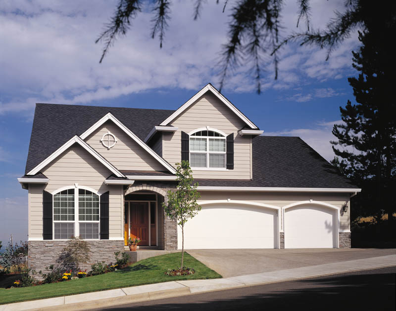 Traditional House Plan Front Photo 03 011D-0026