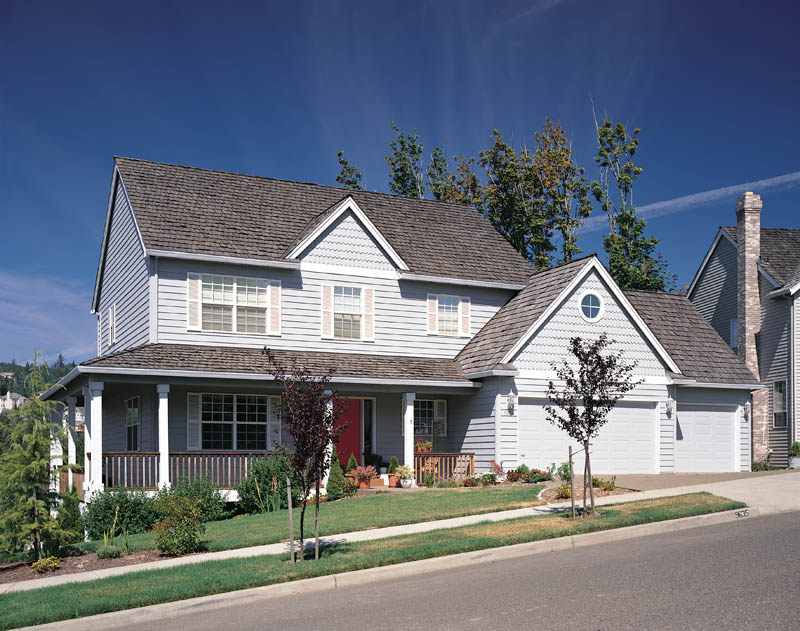 Traditional House Plan Front Photo 02 011D-0027