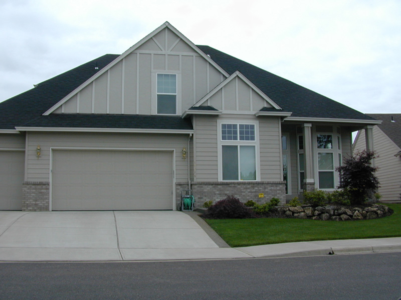Craftsman House Plan Front Photo 04 011D-0030