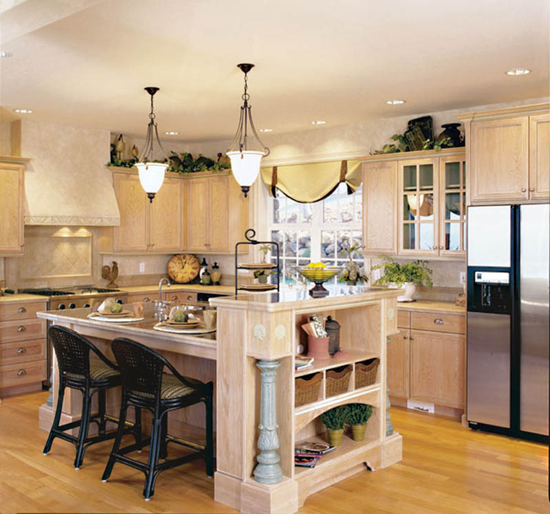 European House Plan Kitchen Photo 01 011D-0032