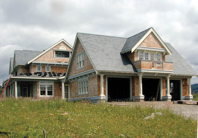 Craftsman House Plan Side View Photo 01 011D-0035