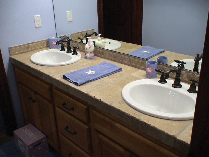 Rustic Home Plan Bathroom Photo 01 011D-0043