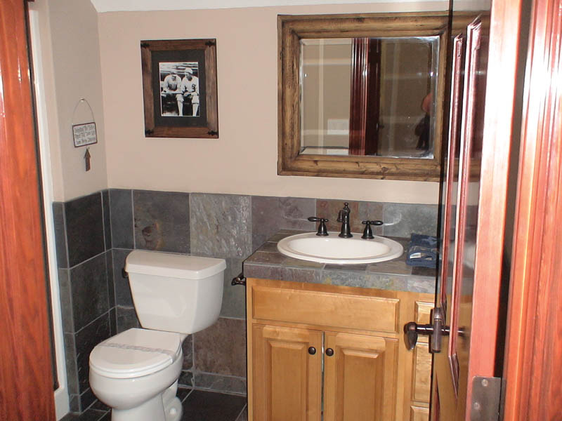 Arts and Crafts House Plan Bathroom Photo 02 011D-0043