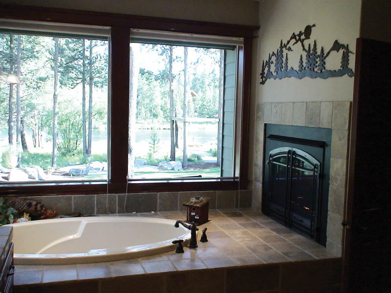 Country House Plan Master Bathroom Photo 02 011D-0043
