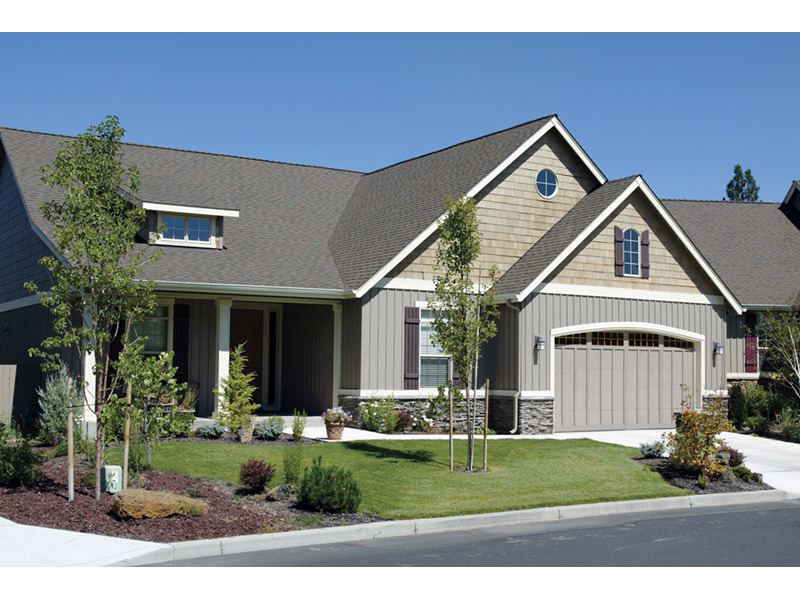 Craftsman House Plan Front Photo 02 011D-0076