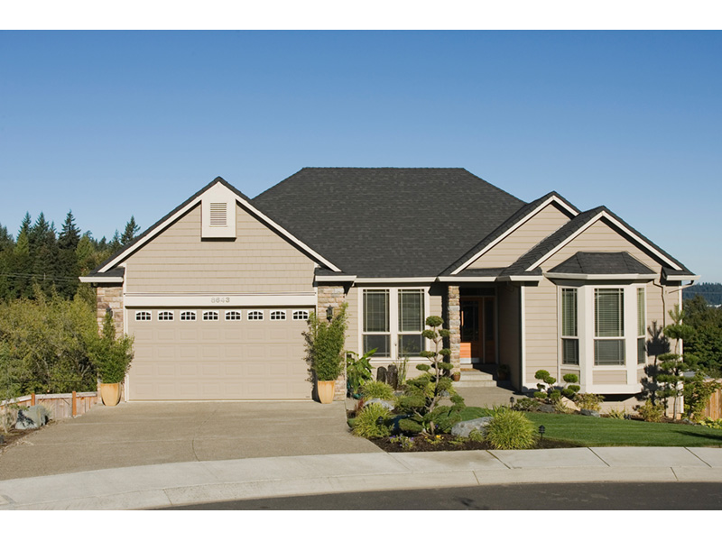 Ranch House Plan Front Photo 02 011D-0078