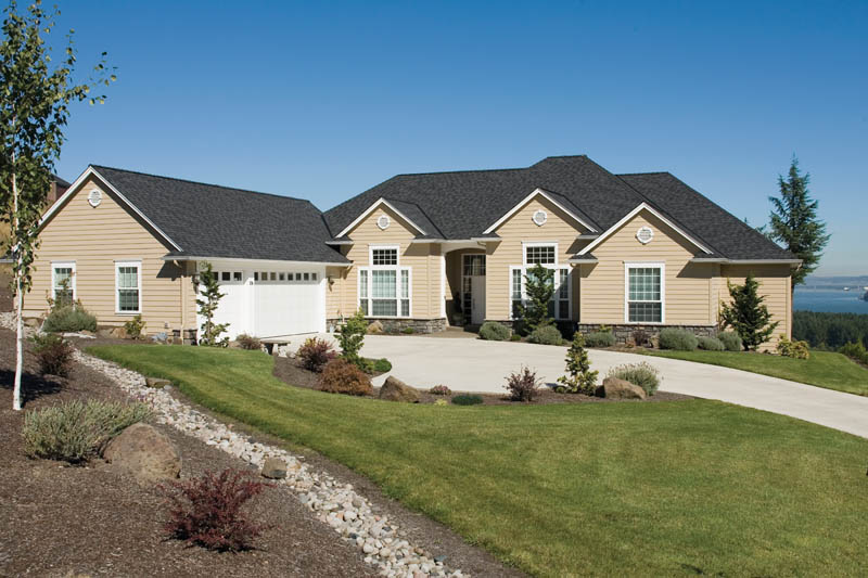 Ranch House Plan Front of Home 011D-0082