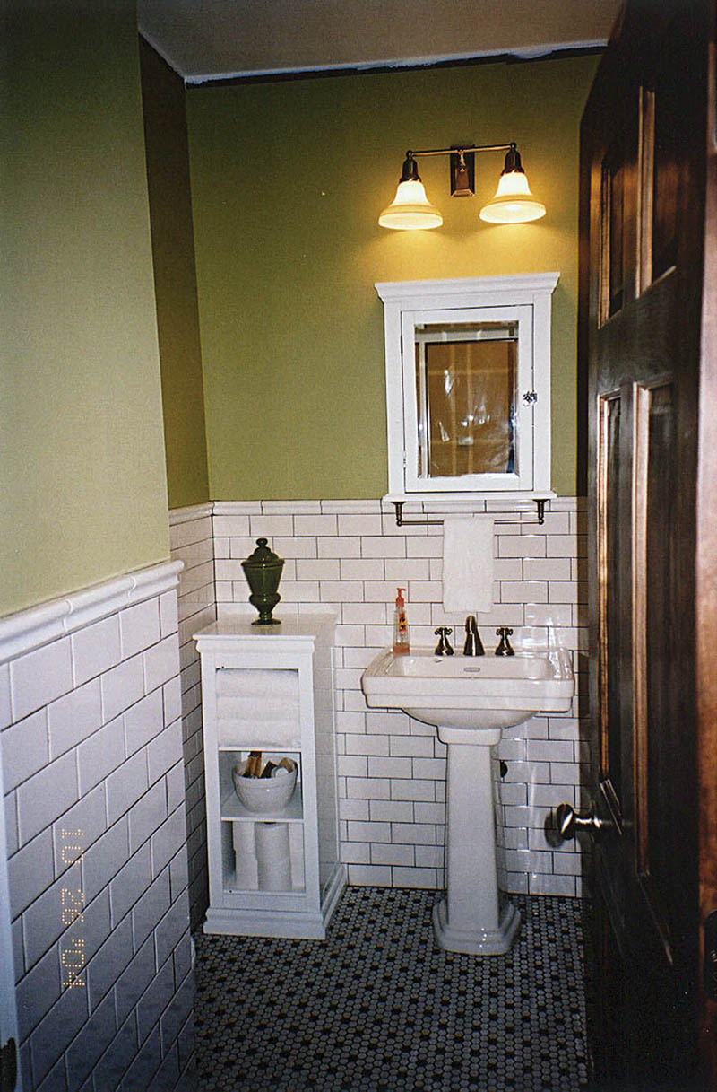 Rustic Home Plan Bathroom Photo 01 011D-0103