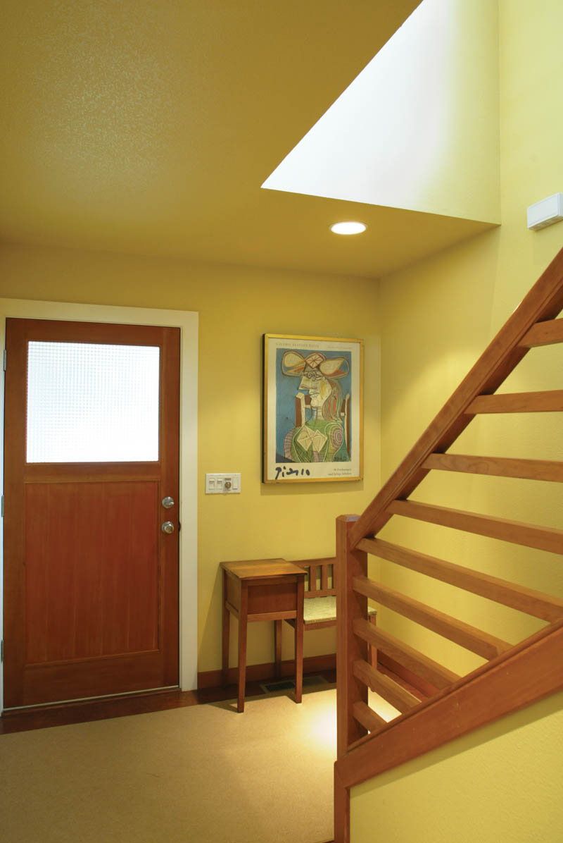 Rustic Home Plan Foyer Photo 011D-0126