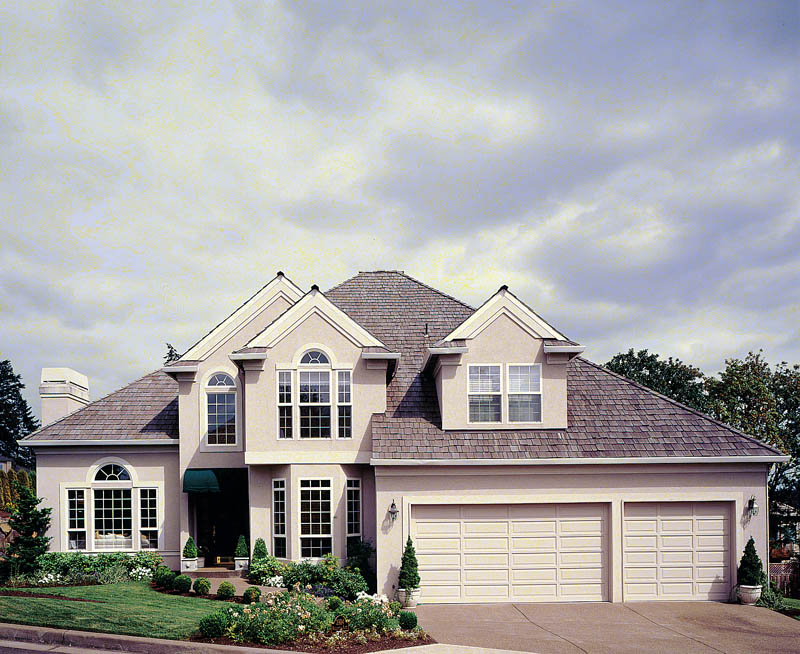 Traditional House Plan Front Photo 03 011D-0166