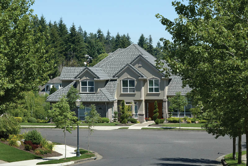 Traditional House Plan Front Photo 01 011D-0183