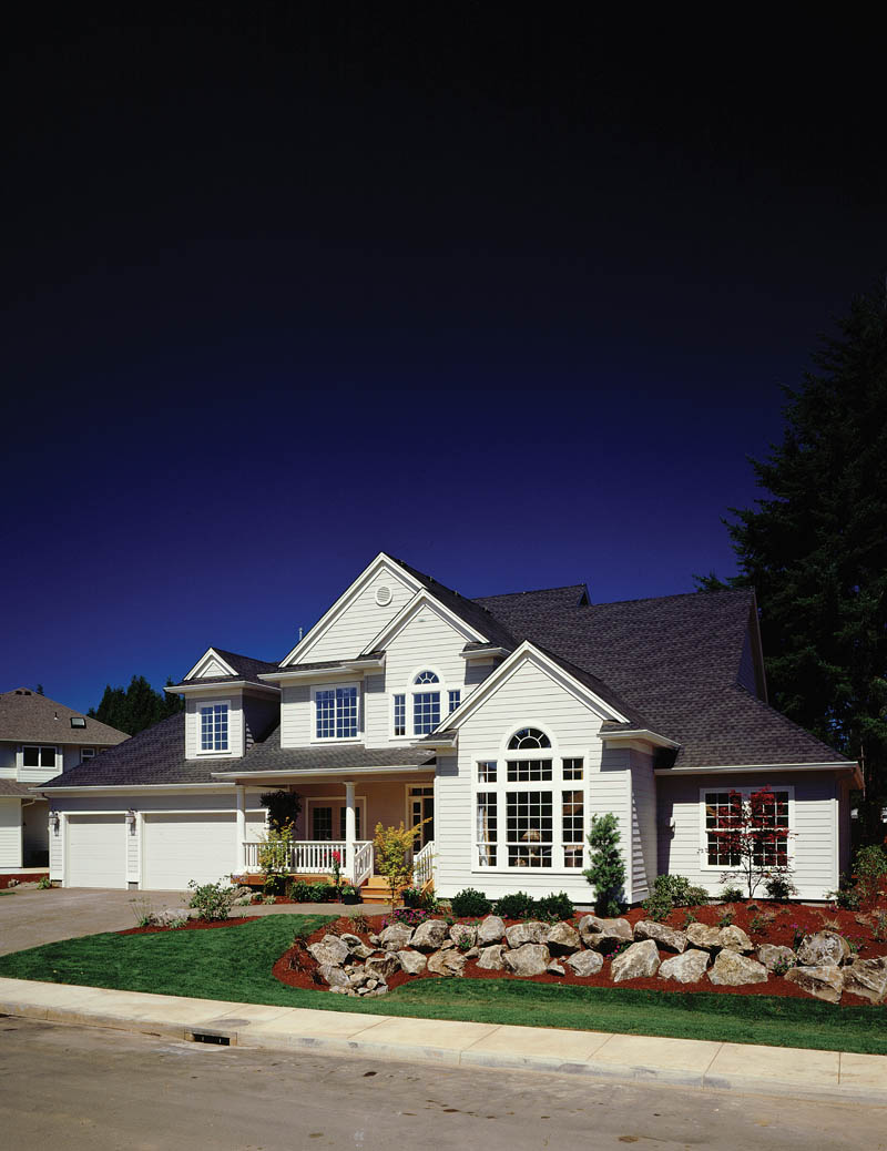 Traditional House Plan Front Photo 03 011D-0190