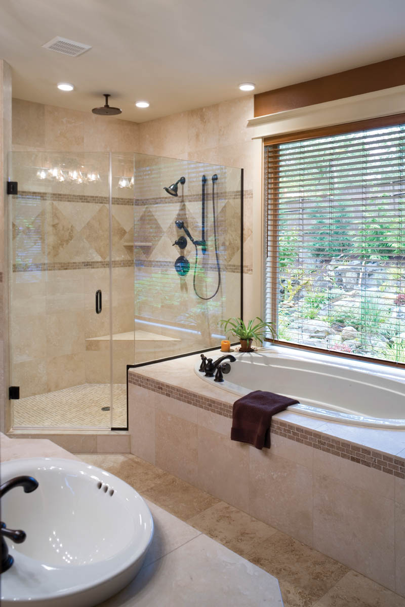 Vacation House Plan Master Bathroom Photo 01 011D-0220