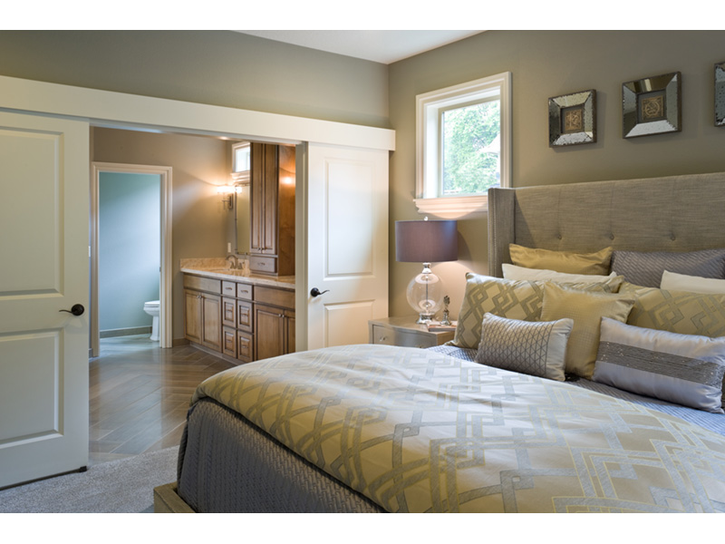 Mountain Home Plan Master Bedroom Photo 01 - Verbena Craftsman Home : Contemporary Craftsman-Style Home Plans