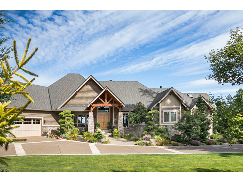 Craftsman House Plan Front Photo 08 - Cliffwood Trail Lodge Home 011S-0001 | House Plans and More