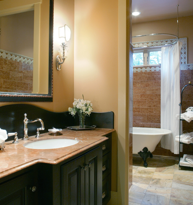 Ranch House Plan Guest Bathroom Photo 011S-0001