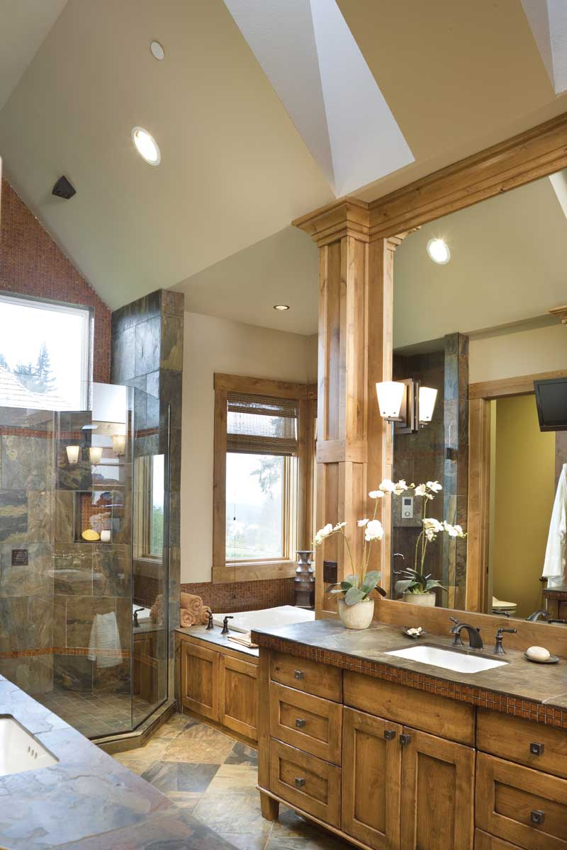 Ranch House Plan Master Bathroom Photo 03 011S-0001