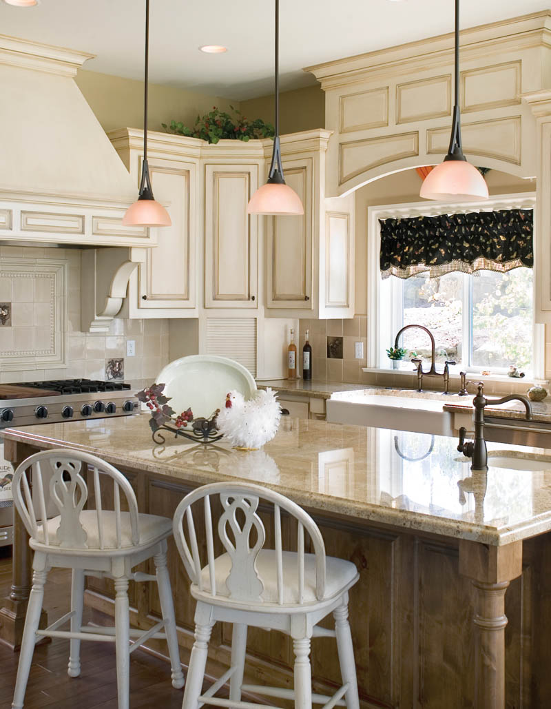 European House Plan Kitchen Photo 04 011S-0002
