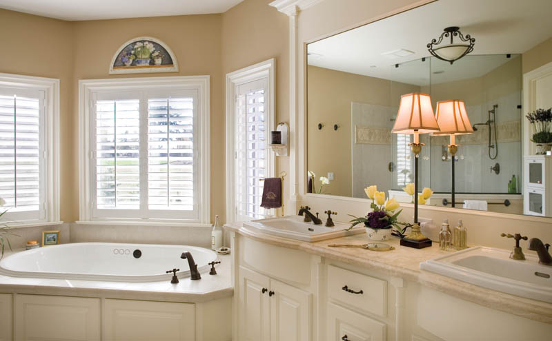 European House Plan Master Bathroom Photo 01 011S-0002
