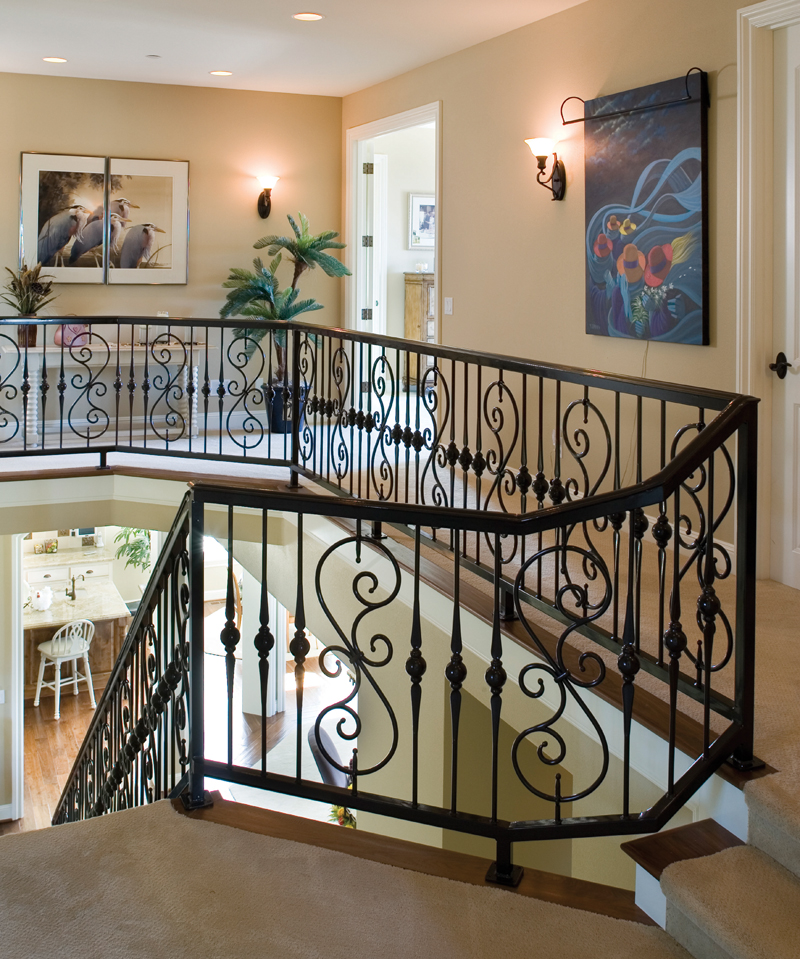Luxury House Plan Stairs Photo 011S-0002