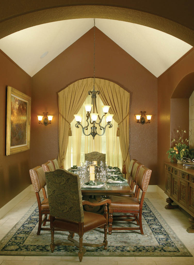 Luxury House Plan Dining Room Photo 01 011S-0004