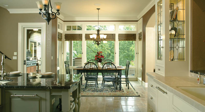 European House Plan Kitchen Photo 07 011S-0004