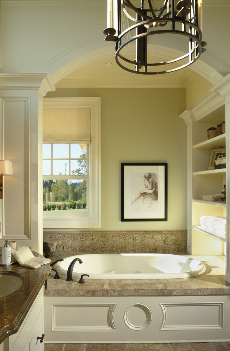 Luxury House Plan Master Bathroom Photo 02 011S-0005