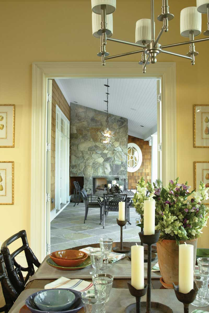 Luxury House Plan Nook Photo 01 011S-0005