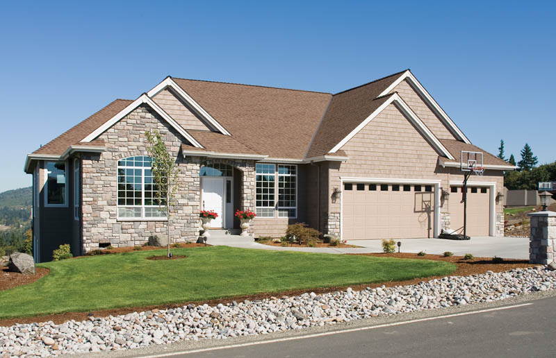 Ranch House Plan Front Photo 02 011S-0013