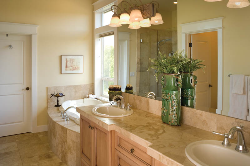 Arts and Crafts House Plan Master Bathroom Photo 02 011S-0013