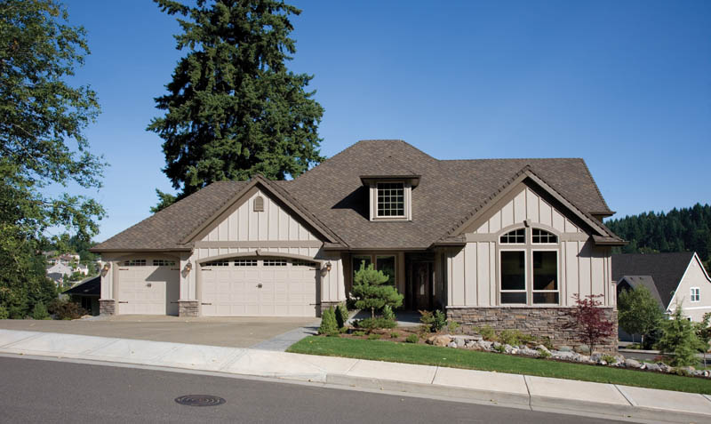 Traditional House Plan Front of Home 011S-0014