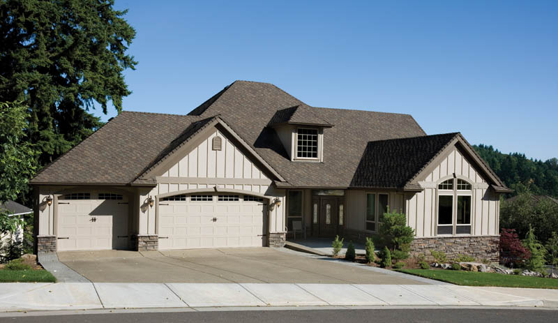 Traditional House Plan Front Photo 01 011S-0014