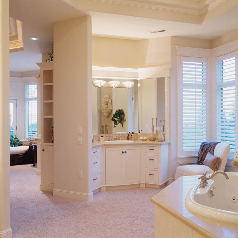 European House Plan Master Bathroom Photo 01 011S-0015