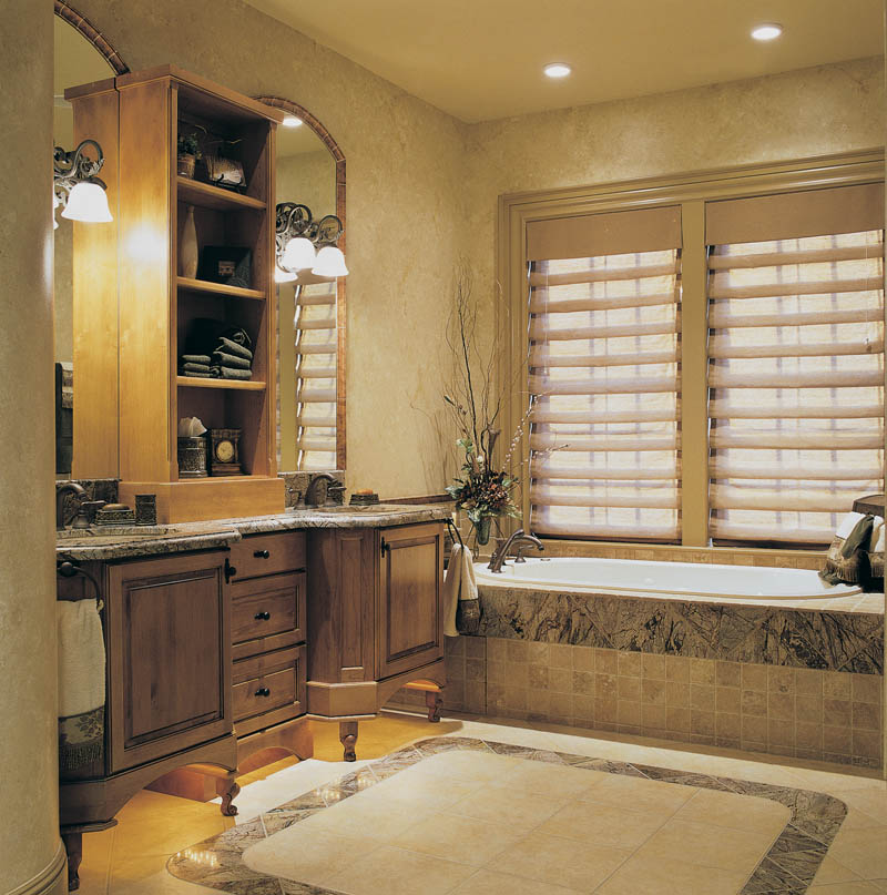 French Country Bathroom Flooring: Vineda Country French Home Plan 011S-0016