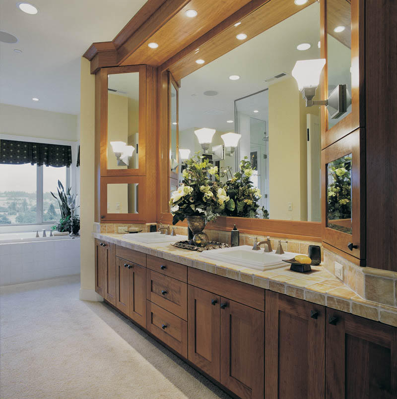 Luxury House Plan Master Bathroom Photo 01 - 011S-0017 | House Plans and More