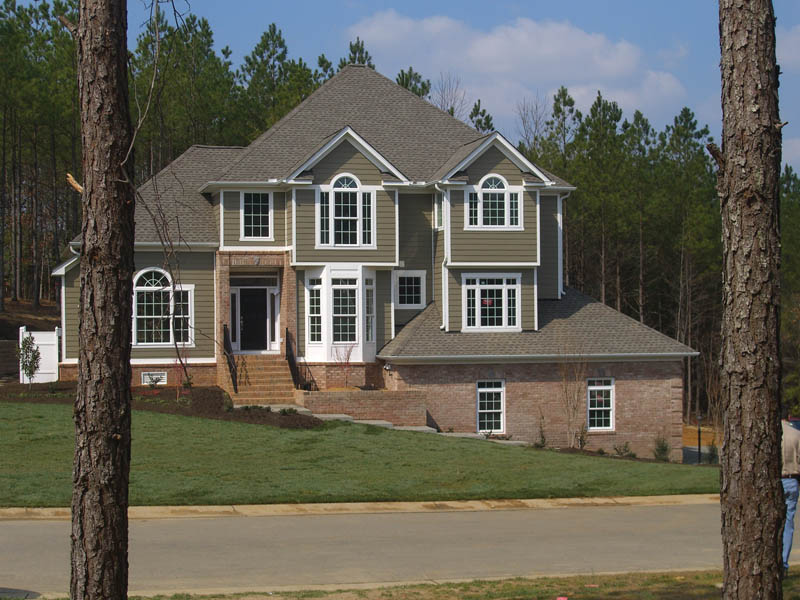Traditional House Plan Front Photo 02 011S-0019