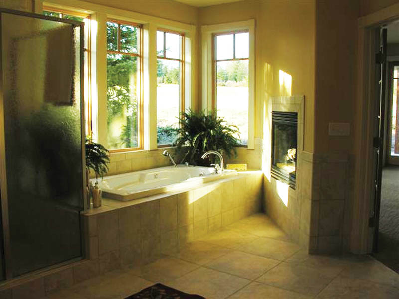 Luxury House Plan Master Bathroom Photo 01 - 011S-0033 | House Plans and More
