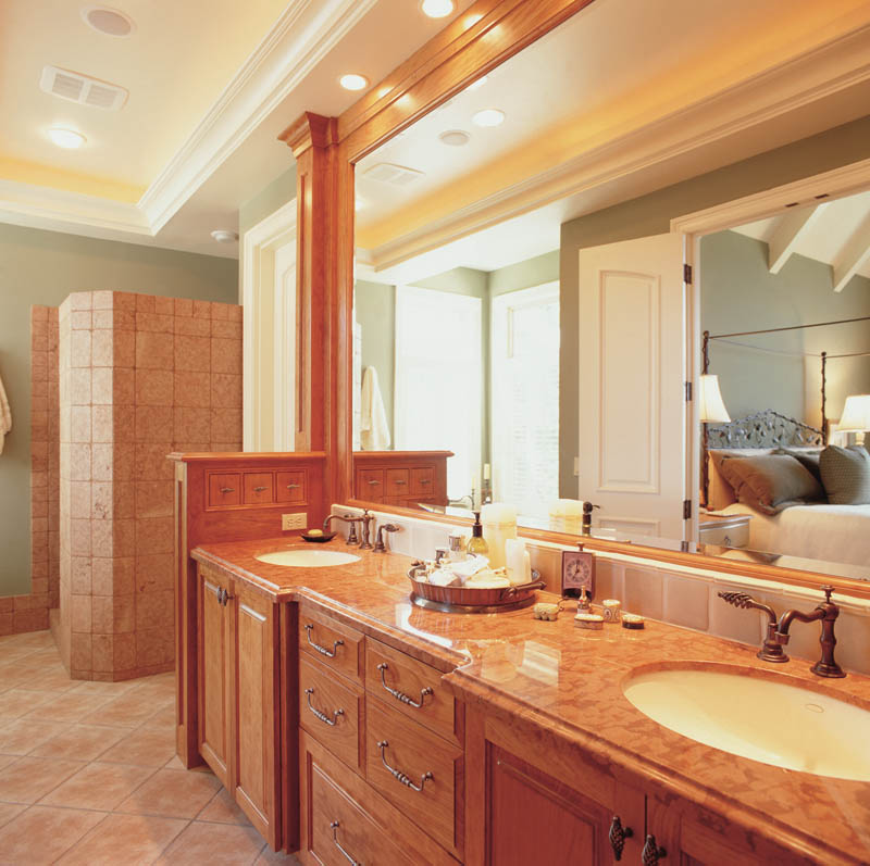 Country French Home Plan Master Bathroom Photo 01 011S-0036