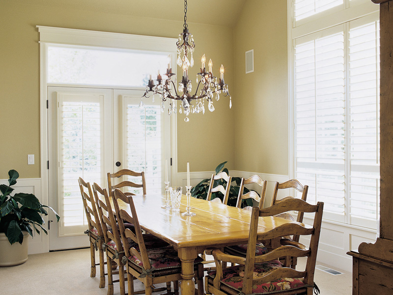 Luxury House Plan Dining Room Photo 01 011S-0061