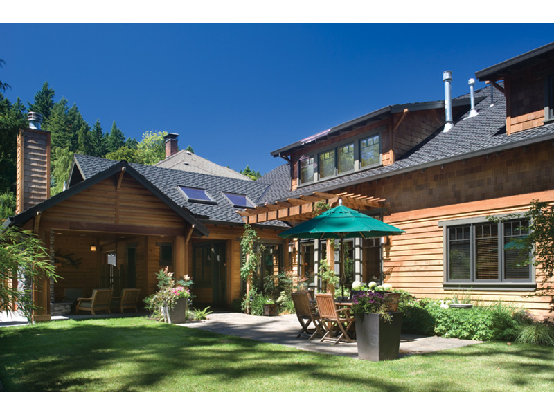 Vacation Home Plan Rear Photo 01 011S-0066