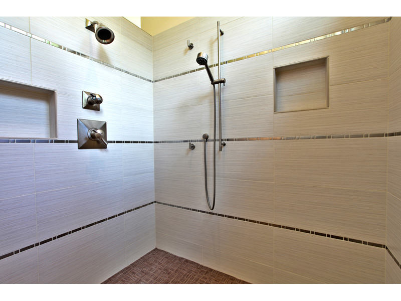 Waterfront House Plan Bathroom Photo 01 - 011S-0101 | House Plans and More