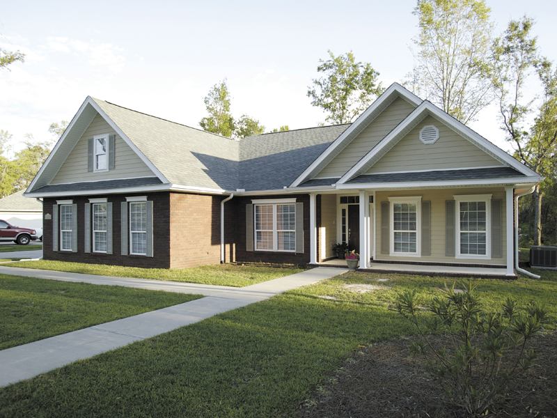 Ranch House Plan Front of Home 013D-0015