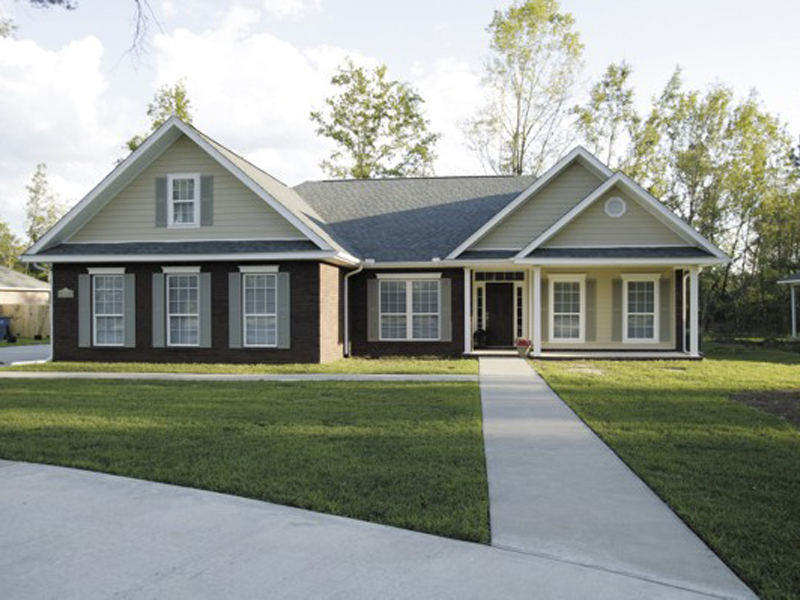 Ranch House Plan Front Photo 01 - 013D-0015 | House Plans and More
