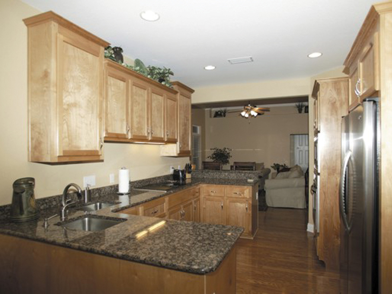Ranch House Plan Kitchen Photo 04 013D-0015
