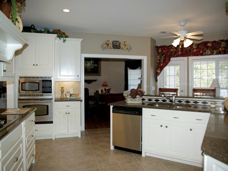 Ranch House Plan Kitchen Photo 02 013D-0022
